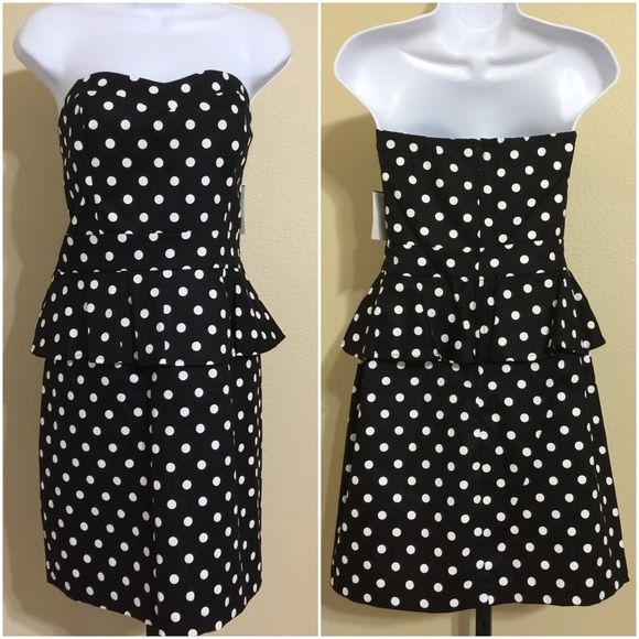 B. Smart Dress Size 12 •	B. Smart 	•	Women's Peplum Dress 	•	Size 12 	•	Black & White Colors 	•	Polka Dot Pattern 	•	Rear Zip 	•	Strapless  	•	Lightly Padded Bust 	•	Lined 	•	Machine Washable 	•	Shell 97% Cotton 3% Spandex 	•	Lining 100% Polyester 	•	Bust Approx. 36 Inches 	•	Waist Approx. 32 Inches 	•	Hips Approx. 40 Inches 	•	Length  Approx. 28 Inches 	•	Sweep Approx. 44 Inches 	•	MSRP $ 40.00 	•	New With Tag B. Smart Dresses Strapless