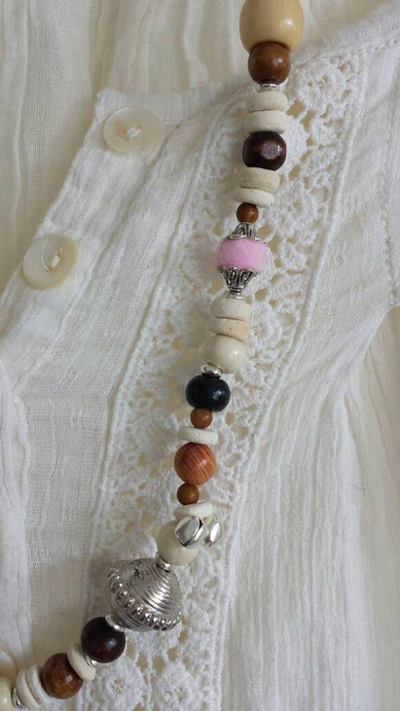 Retrouvez cet article dans ma boutique Etsy https://www.etsy.com/fr/listing/520438428/collier-fait-main-unique-a-pompon-ball