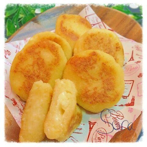 チーズとろけるモチモチじゃが餅