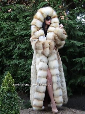 452 best glamorous golden island fox furs images on pinterest furs fur coats and fox. Black Bedroom Furniture Sets. Home Design Ideas