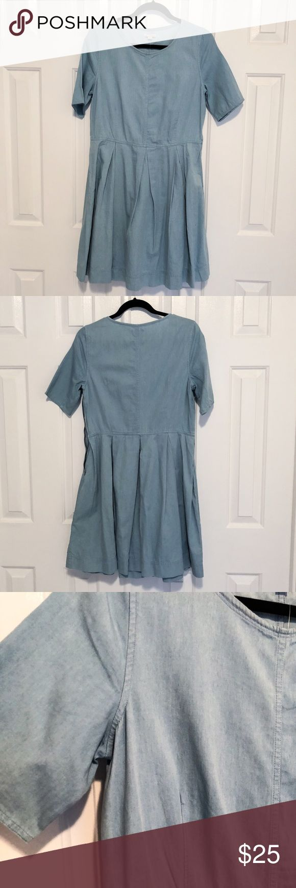 GAP Fit & Flare Chambray Pleat Dress with Pockets! It has pockets, LOVE dresses with pockets! I'm upset I never got to wear this one...super cute for the spring/summer.  The larger your bust size, the waist would fall slightly above the natural waist hiding any belly bulge. This is definitely cuter on than pictured on the model!  Side zipper Short sleeves Pleated skirt Pockets GAP Dresses