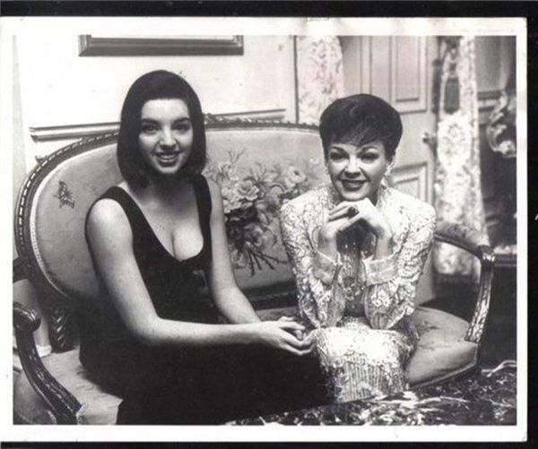 Liza Minnelli with her mother, Judy Garland