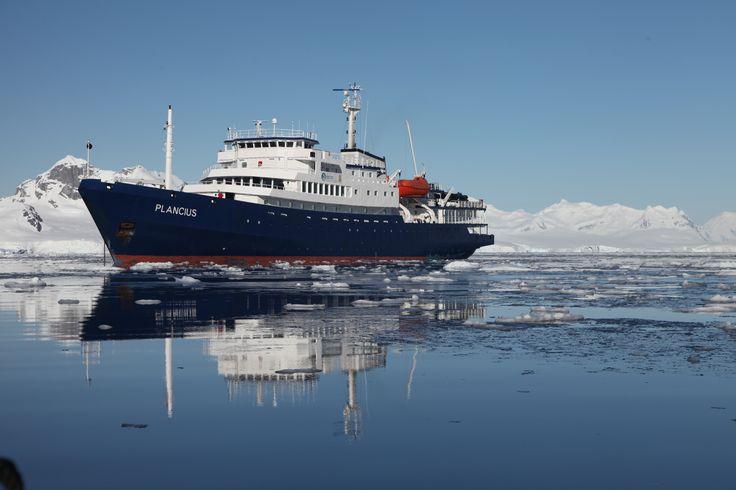 m/v Plancius in Antarctica www.oceanwide-expeditions.com