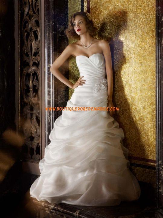 Belle robe de mariée en organza col coeur