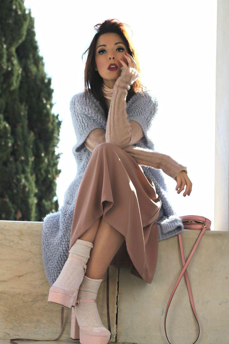 crisi editoria 2016, blogger vs giornalisti, theladycracy.it, elisa bellino, theladycracy.it, fashion blog italia, look bohemien, blog di moda italia, calze con scarpe tacco