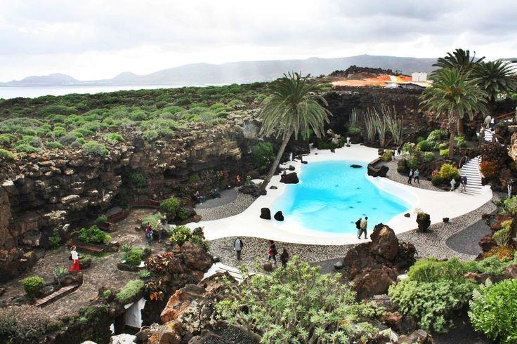 Cesar Manrique - Cueva de Los Verdes, Lanzarote