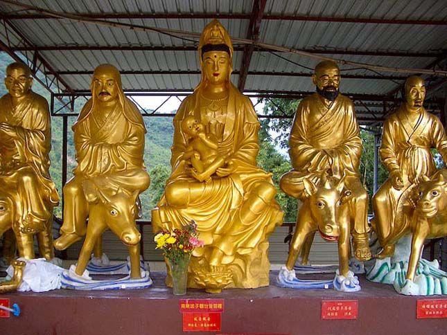Tízezer Buddha Temploma