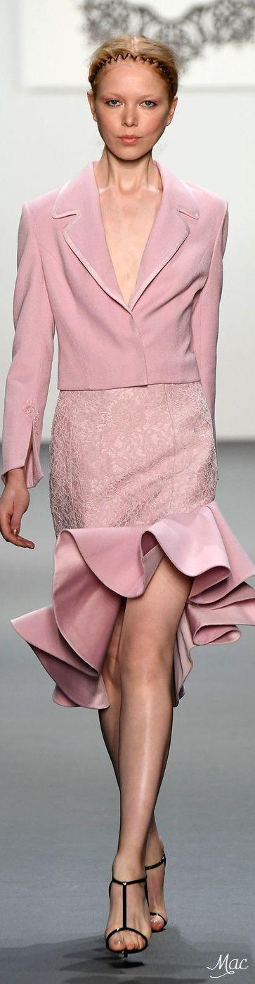 #Farbbberatung #Stilberatung #Farbenreich mit www.farben-reich.com Spring 2017 Ready-to-Wear Lanyu