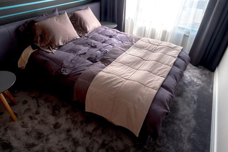 Mieszkanie na Bemowie - sypialnia - tryc.pl #bedroom #bedclothes #linen #carpet
