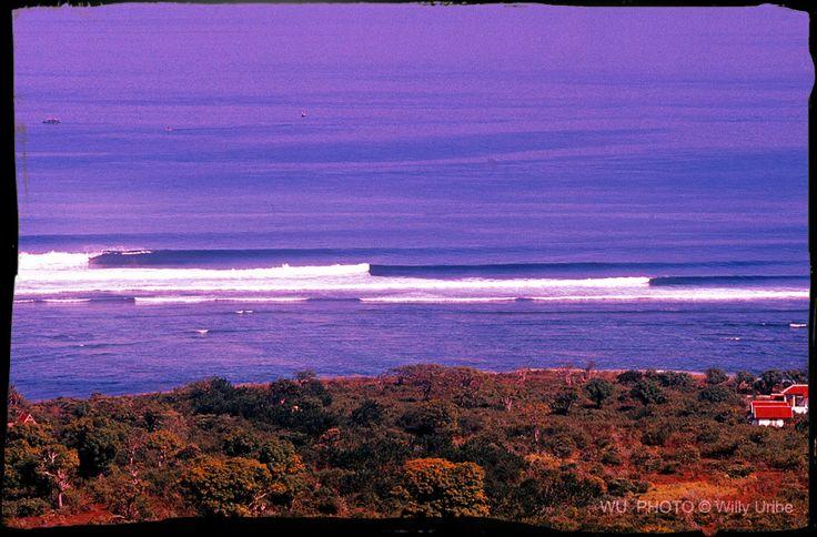 Tolodoro area. Sumbawa. Indonesia. 900-PIX Surf Photography WU PHOTO © Willy Uribe