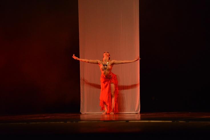 """2° Lugar - Jazz - Solo Feminino - Avançada.   Monique Paes Studio de Dança (SP), com a coreografia """"Iansã"""". Crédito: Dashmesh Photos/Claudia Baartsch"""