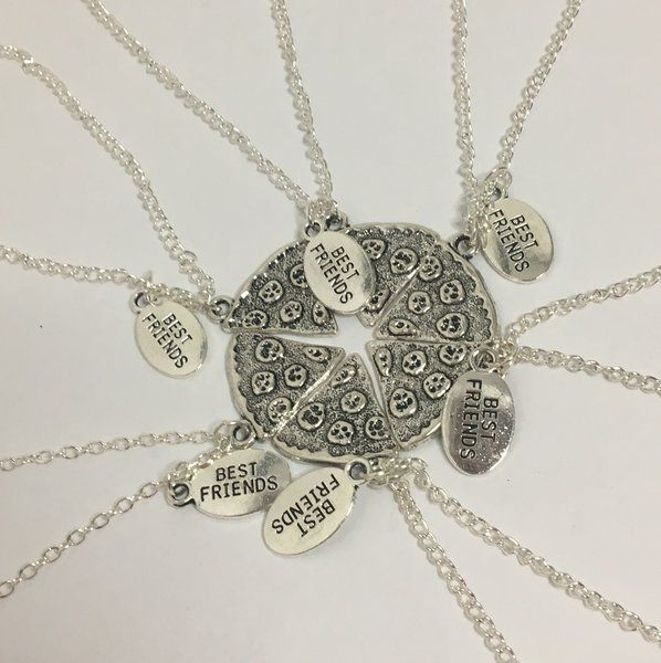 37.99$ Best Friends' Whole Pizza Necklaces