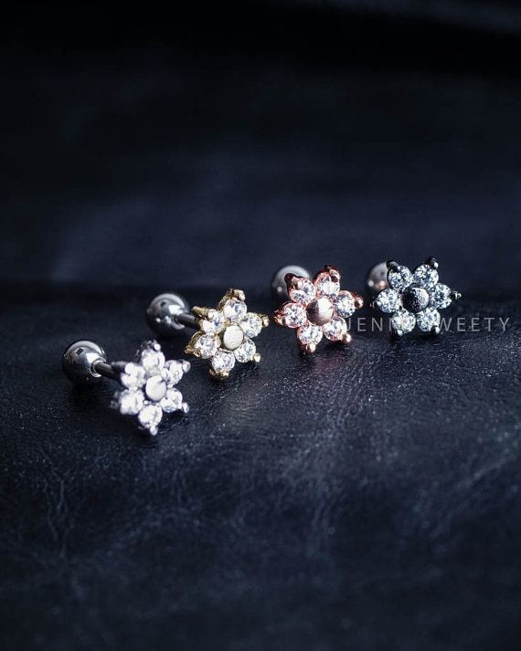 kraakbeen oorbel tragus earring kraakbeen piercing door JennySweety