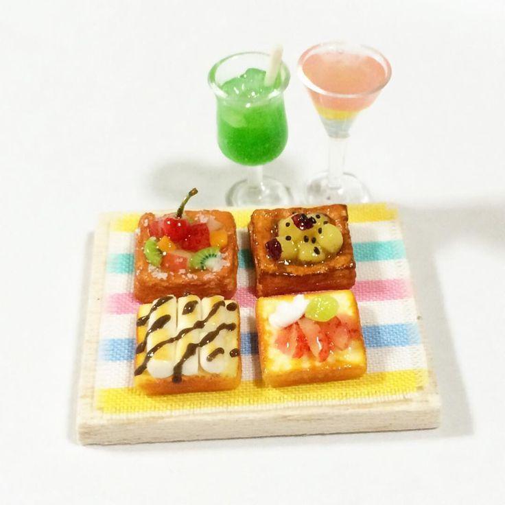 新作さつまいもデニッシュとチョコマシュマロトーストがお気に入り❤️ 今回のはいつもより薄めのトーストになっちゃった‼️8枚切り並〜 #miniature #handmade  #樹脂粘土 #ハンドメイド #食パン #デニッシュ #マシュマロトースト  #ミニチュア #ミニチュアフード  #食品サンプル  #リーメント #japan  #kawaii