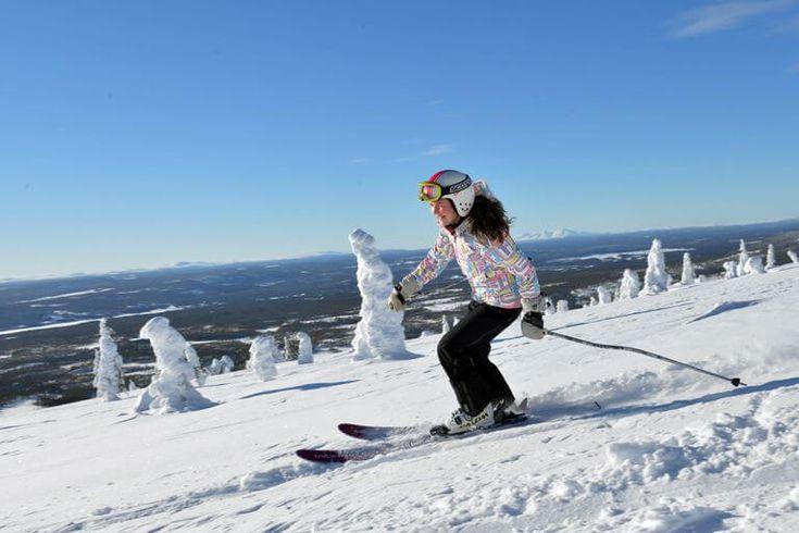 SVERIGE: Vi vil bo tæt på skipisten. Hvad enten der er tale om alpint skiløb eller langrend, så drømmer flere og flere skiløbere om denne mulighed. I Sverige er der flere gode steder, hvor man kan stå direkte ud på pisten :-). #ski #skiferie #Sverige #skiløb #vinterferie #Uge7