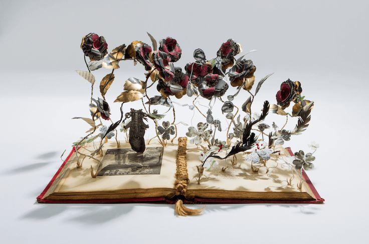 Paper Visions è il libro edito da LOGOS che raccoglie i lavori di Elena Borghi | Bloggokin.it
