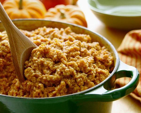 Calling all lovers of pumpkin and oatmeal: this recipe is for you. Gorgeous pumpkin bakes down into a spiced, nutrient-rich glaze that pairs perfectly with the nutty flavor of toasted oats. This recipe comes from Guiding Stars.