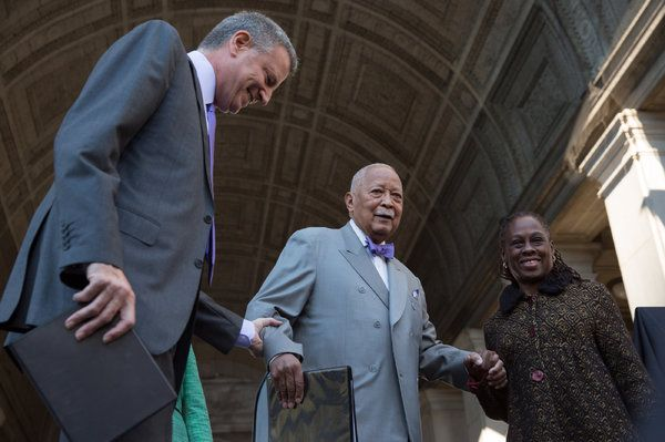 After Honor, David Dinkins Joins Select Group of Ex-New York City Mayors - The New York Times
