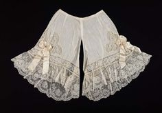 Drawers | France | 1900 | cotton, lace, silk, mother-of-pearl | Museum of Fine…