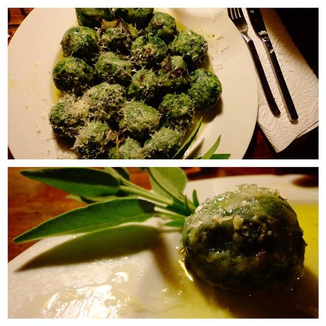 "Yesterday we've decided to prepare an ancient Tuscan dish: the ""Gnudi"" (pronunced ""nu-dee"")They are ""nude"" ravioli made only with ricotta and spinach filling,without the pasta around them. DELICIOUS! More info at WWW.KMZEROTOURS.IT #followyourtaste #howitsmade #gnudi #Chianti #Кьянти #Тоскана #tuscany #Италия #italy #Tour #Тур #Winetours #винныетуры #Culinarytours #кулинарныетуры #Foodtours #нулевойкилометр #еда #foodies #гурманы #итальянскаяеда #кулинарныемастерклассы"