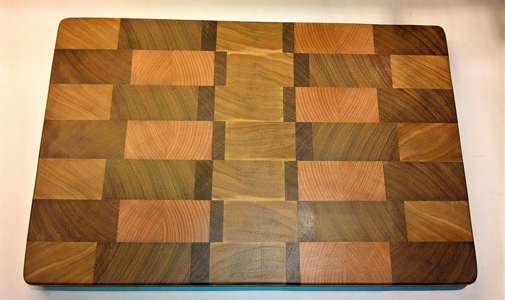 End Grain Cutting Board made from Walnut,beechwood and African Teak.