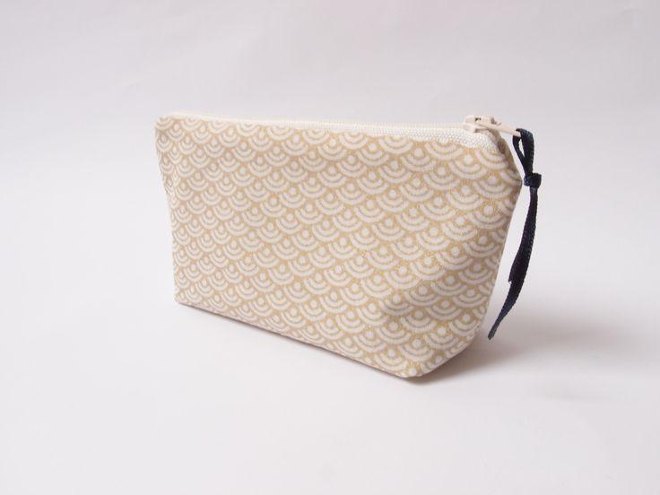 Mini trousse de sac - écailles dorées - pour maquillages, mouchoirs : Trousses par les-envies-damelie