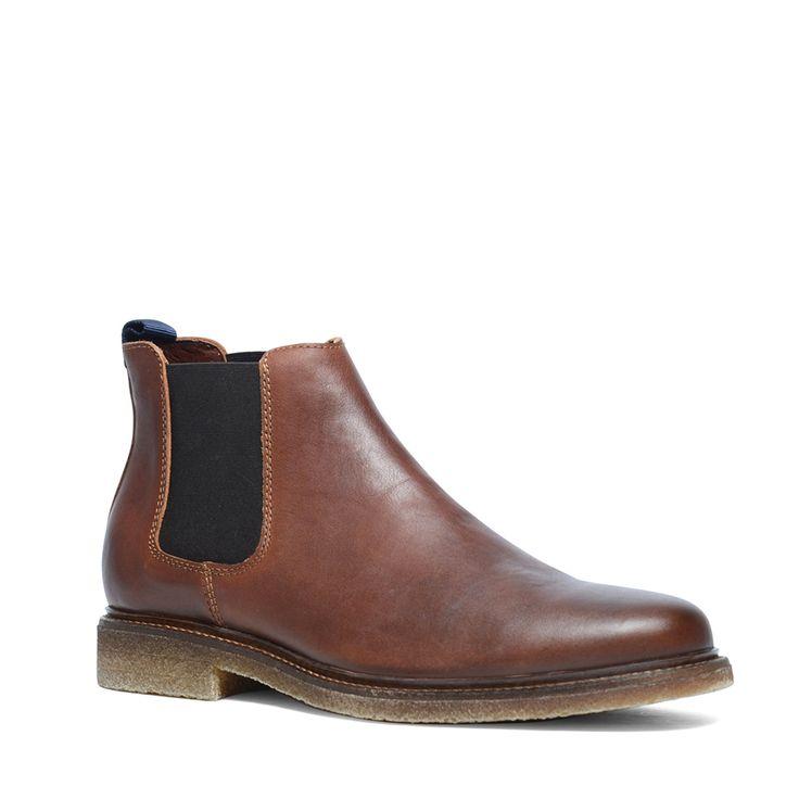 Cognac chelsea boots  Description: Chelsea boots zijn trendy! Deze boots hebben een binnen- en buitenzijde van leer voor een perfecte pasvorm. Wat de chelsea boots zo geliefd maakt is de elastieken instap. U trekt de schoenen eenvoudig aan en uit! De cognac kleur van de herenschoenen combineert u eenvoudig met een basic jeans voor een casual uitstraling. De maat valt normaal.  Price: 119.99  Meer informatie  #manfield