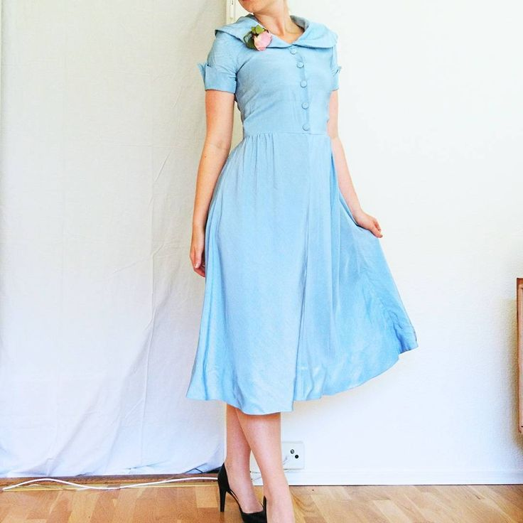 97 gilla- late 1940s, or early 1950s baby blue dress