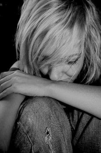 Galeria de fotos para tu blog o webpage: Cry-Sad-Alone woman pictures-Tristeza