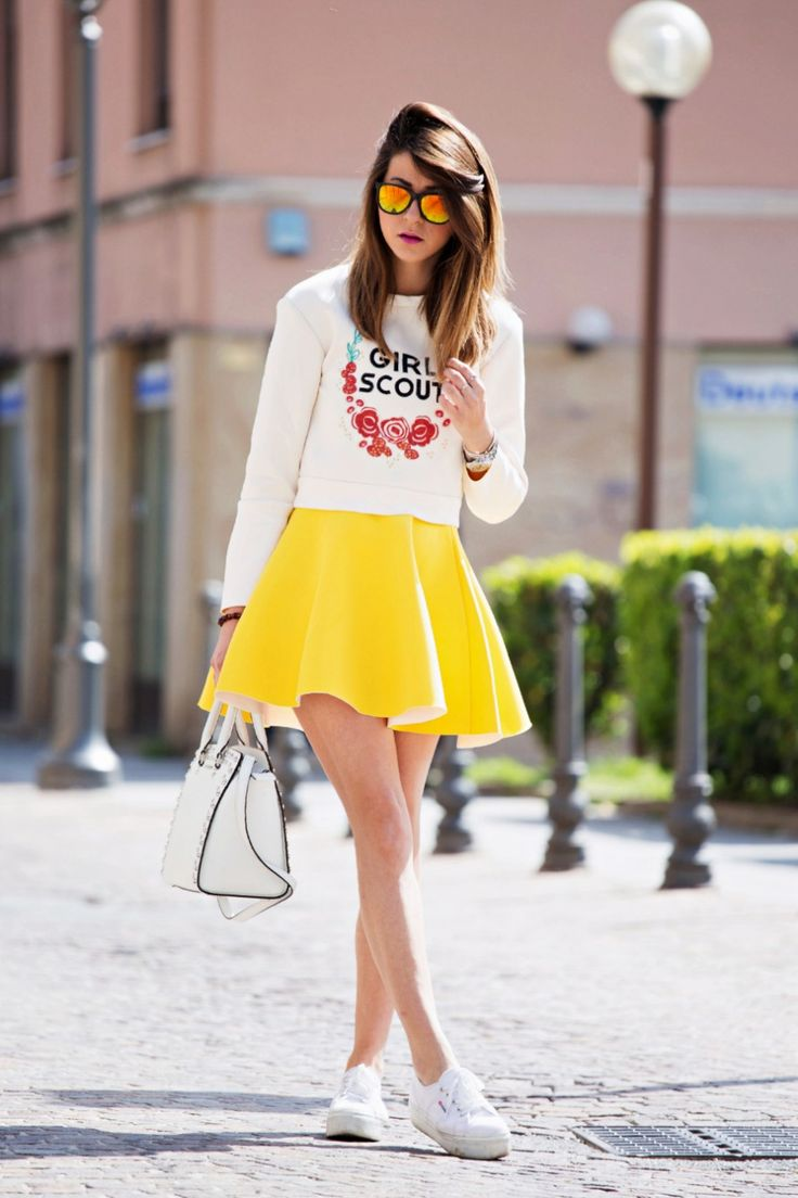 Street Style | Casual White with Yellow Skirt