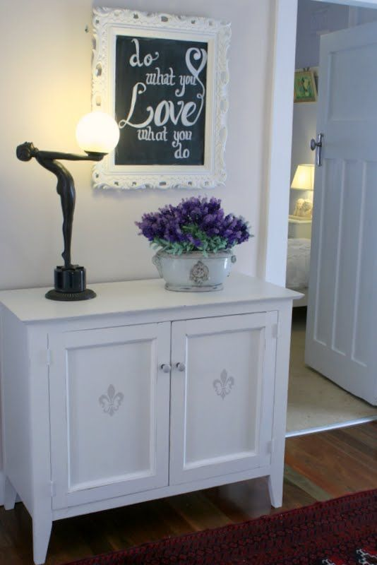 """""""Lilyfield Life: My Furniture Painting Tips [painting to go over sewing desk?!?!?!]"""" #furniture #painting"""