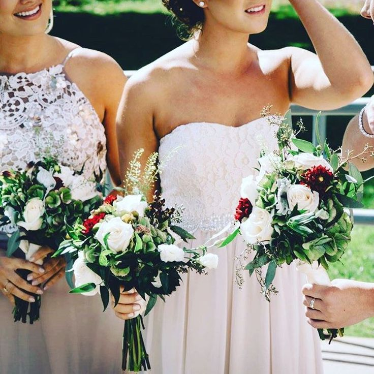 Gorgeous gowns, gorgeous flowers, and a gorgeous shot by @jessrosephoto Flowers by @iluph_events  #meetthevillys  #summerwedding #iluphflowers #iluphwedding #weddinginspo #gorgeous #flowers #bouquet #ottawawedding #blushdress #summerbouquet #weddinggoals #ottawa
