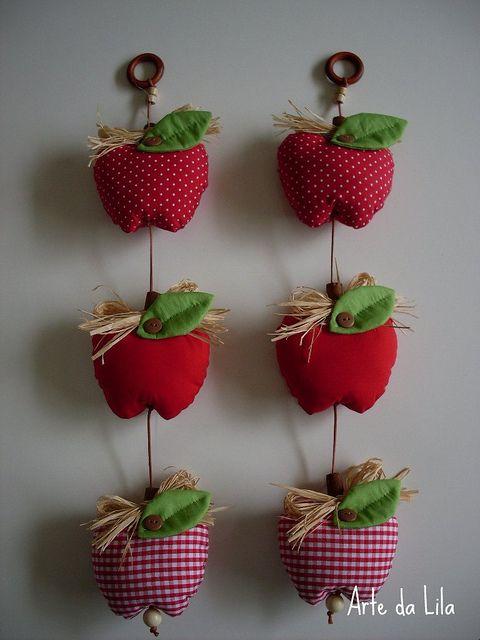 Móbiles de maçãs