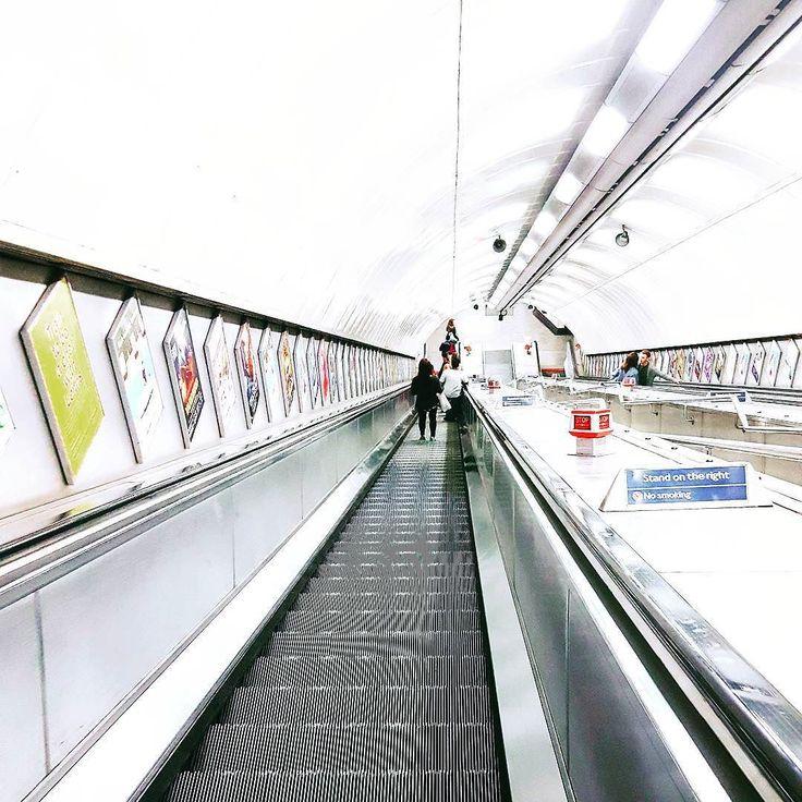 Let me love you #ArianaGrande  Location  #Metro Photo  #ElectraAsteri