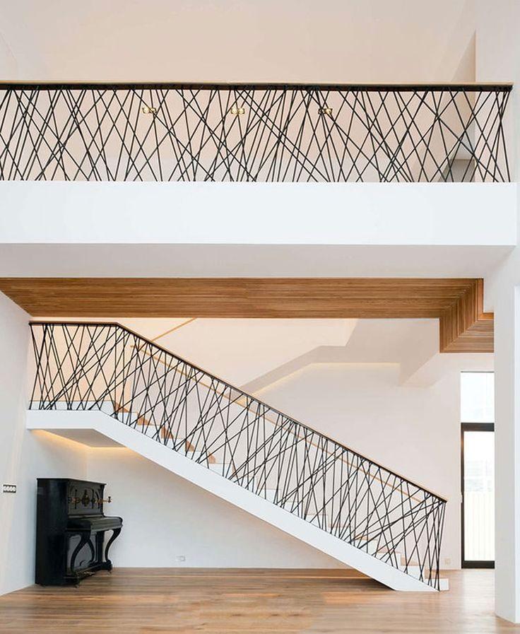 Corrimano e ringhiere per scale internedal design moderno n.16
