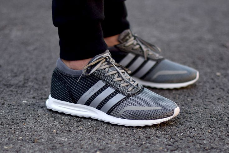 Chaussures Los Angeles Adidas