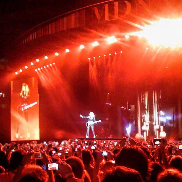 "@mustafakemaldemirel's photo: ""Madonna konserinden hatira kalanlar, 7 Haziran 2012 - Istanbul ☺️☺️ cok guzeldi bidaha gelsin yaww  #madonna #istanbul"""