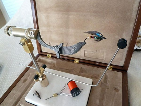 Coolest fly tying vise EVER! For more fly tying gear and fly reels please follow and check out www.theflyreelguide.com Also check out the original pinners site and support. Thanks #flyfishing #flytying