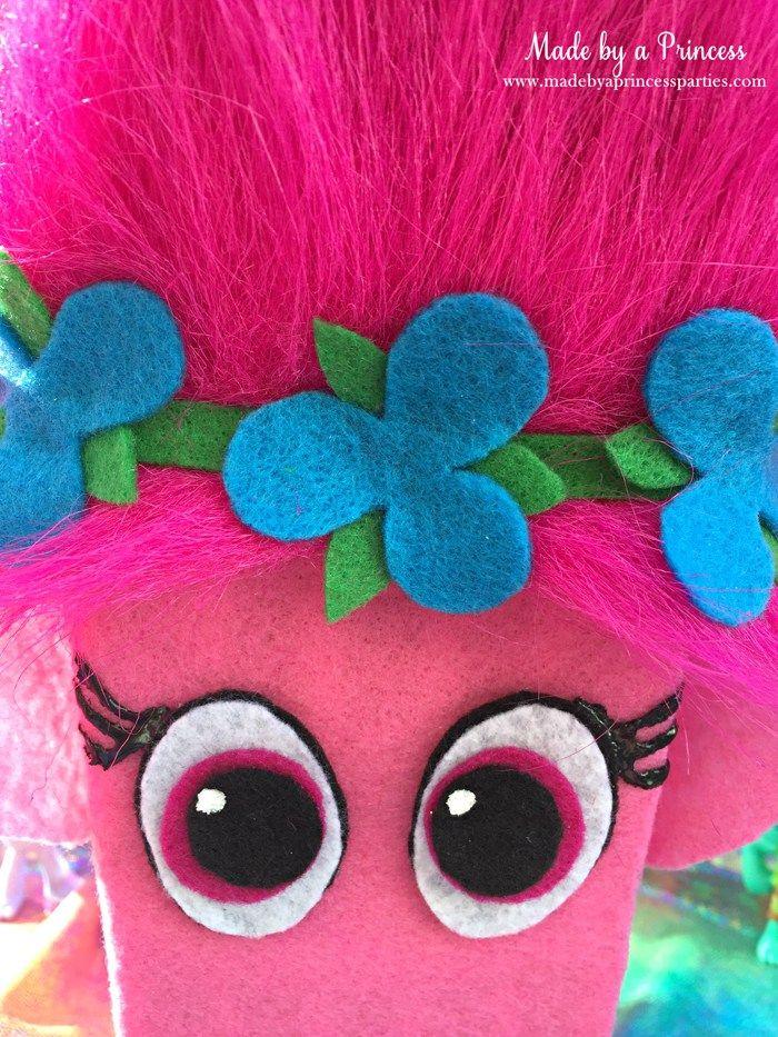 Trolls Movie Popcorn box idea, trolls party food, Princess Poppy, pink rice krispie treats  #popcornboxparty2016