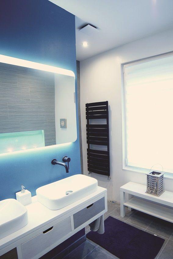 Salle De Bain Moderne Avec Meuble Suspendu Double Vasques