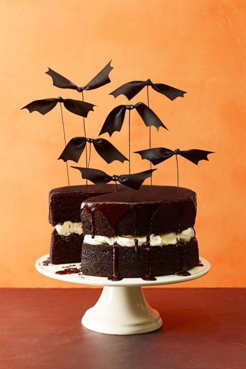 60 eerily easy craft ideas for halloween - Easy Halloween Cake Decorating Ideas