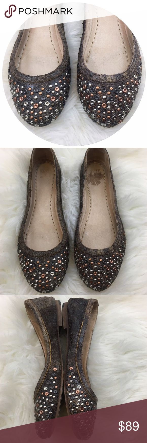 Frye Carson Studded Ballet Flats Size 8.5 Be daring in the Frye Carson studded ballet flat and you'll be sure to dazzle everyone. This everyday flat has a little extra flavor with the studded detailing across the toe. These shoes are perfect to get you from point A to point B, and are sure to turn every head you pass along the way! They've been taken care of very well. Please see photos for any wear.  ✨If you'd like me to lower these enough for CLOSET Clear Out just let me know and I'll drop…