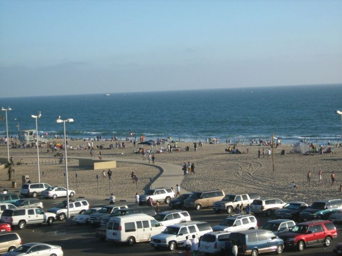 12 Beaches to visit in Los Angeles - Dockweiler Beach: Dockweiler Beach is three-mile-long section of Los Angeles shoreline thats seldom crowded. A west-facing beach, Dockweiler is the only place in Los Angeles County where you can have a bonfire and it has the only beachfront RV park as well. Although its in the middle of the city, this piece of sand is not surrounded by buildings and houses. Bike path Walking path Swimming, lifeguard during daylight hours Surfing Volleyball Fire rings ...