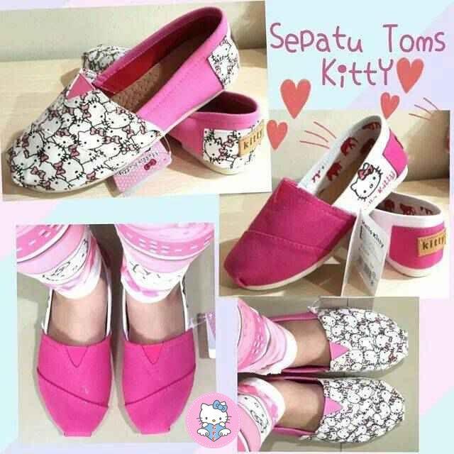 SEPATU-TOMS-HELLO-KITTY