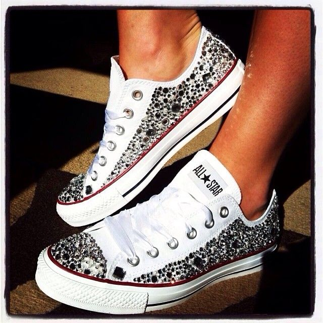 I don't really wear sneakers but I would rock the heck out of these...I might have to DIY one day soon