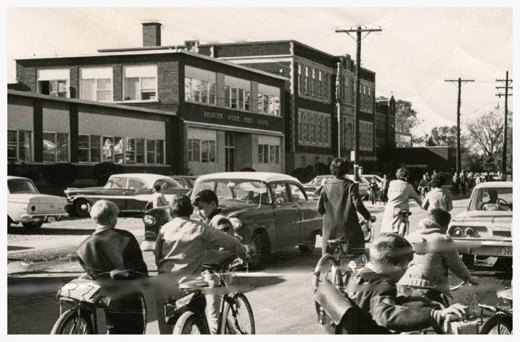 https://flic.kr/p/rogarE   Broadview Public School 1950's   Ottawa ON