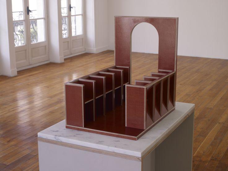 Raphaël Zarka, Stallo, 2011, Sculpture, bouleau filmé, production Le Grand Café  Courtesy galerie Michel Rein, Paris   © Marc Domage