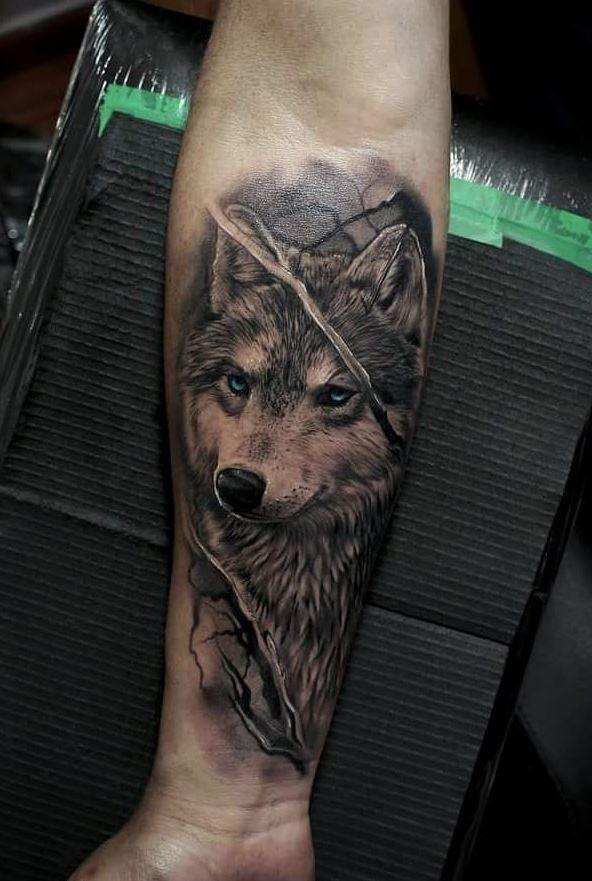 Тату бегущий волк фото
