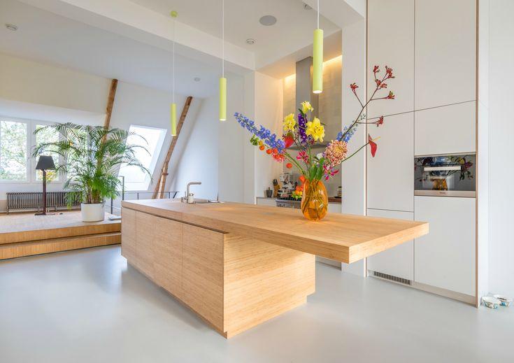 http://leemwonen.nl/interieur-binnenkijken-gloednieuwe-lofts-met-rijke-geschiedenis/ #loft #amsterdam #architecture #wood #space #light #citylife #interior #interiordesign #interiorlover #interiorblogger #leemwonen #blogazine
