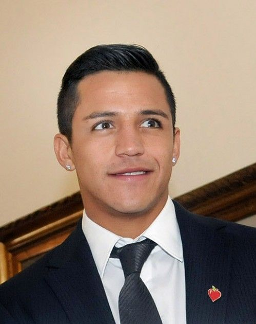 http://www.tapchidanong.org/products/Alexis-Sanchez%3A-Phao-hang-nang-cua-Arsenal.html